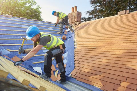 Top Five Warning Signs That You Need A Roofing Contractor